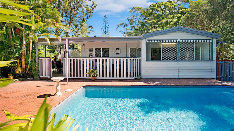 Welcome to this special queensland cottage, 300 days of sunshine every year!