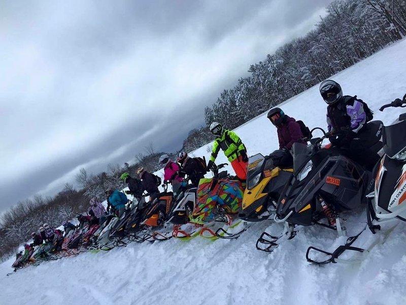 Chautauqua Lake sneeuwscooter Club ~ meer dan 500 mijl van sneeuwscooter paden.