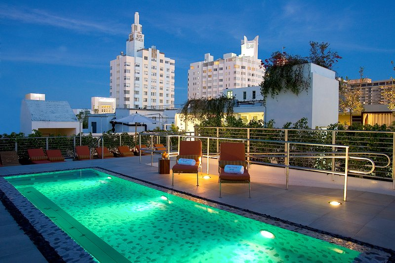 Rooftop Pool Access
