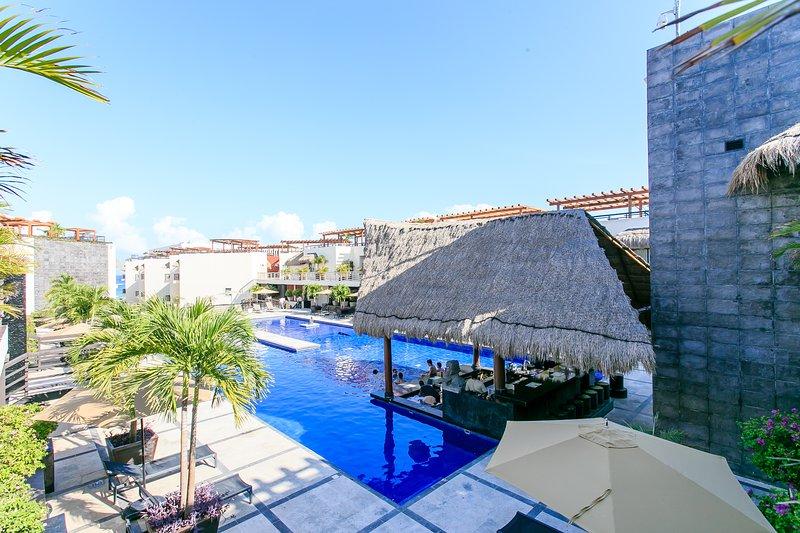 Pool,Water,Hotel,Resort,Building