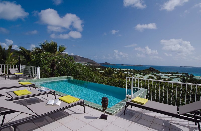 stunning, 3 bedroom villa with a spectacular location, holiday rental in Orient Bay