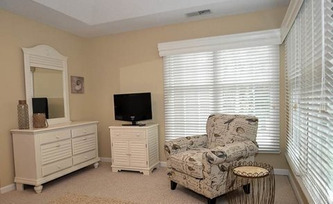 Indoors,Room,Bedroom,Furniture,Dresser