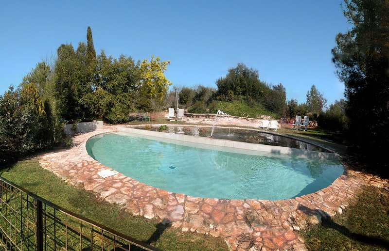 Rural charm and modern conveniences just 15-minutes drive from the fantastic Rom, holiday rental in Figuerola del Camp