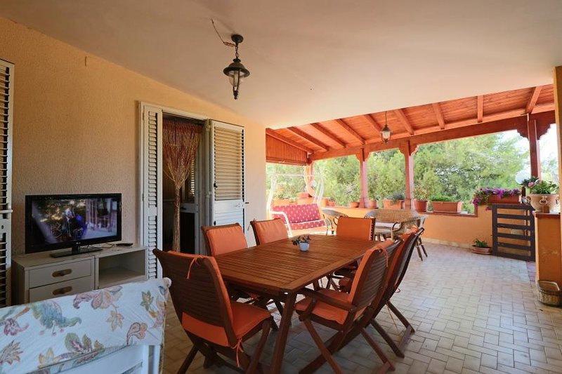 Villa holiday house in the typical countryside of Salento in Puglia to Matino a, vacation rental in Matino