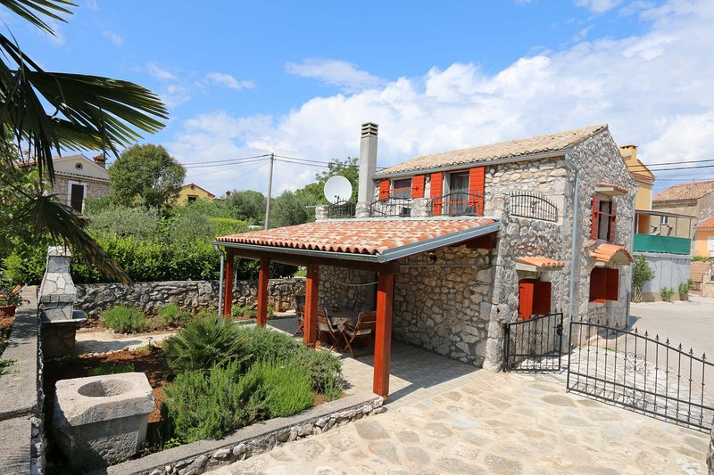Villa Plisic, Krk island, holiday rental in Silo
