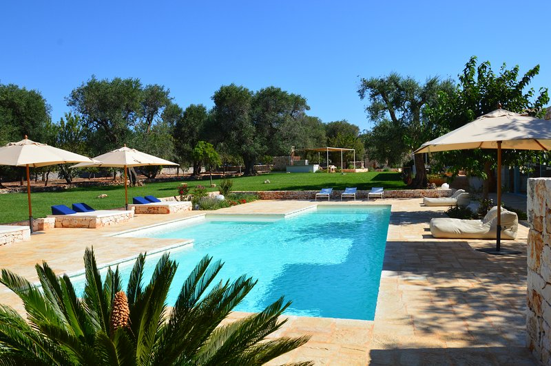 Ostuni Art Resort      - luxury villa with private pool -, aluguéis de temporada em Ostuni