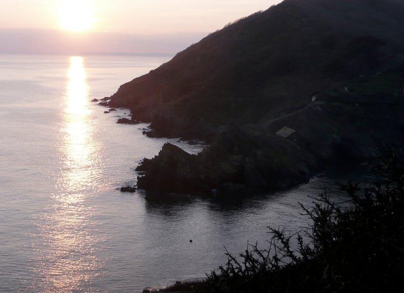 Coucher de soleil sur le chemin de la côte à Polperro