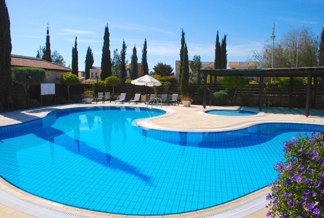 Adonis Village communal pool, with kiddie splash pool