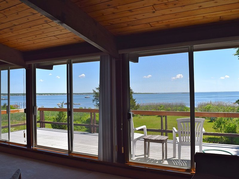 Ocean Front, Private Beach, Harbor & Bay Views, aluguéis de temporada em Acushnet