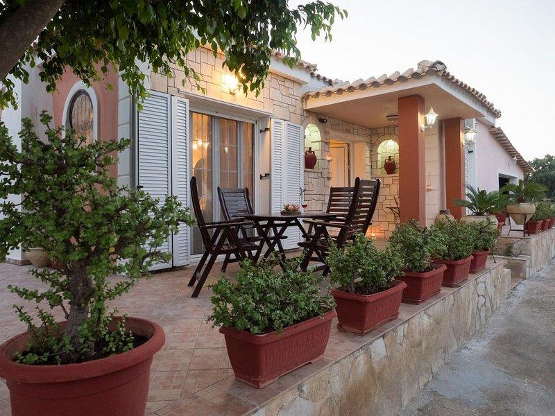 'Casa Di Vacanza' - Two Bedroom Holiday House, vacation rental in Katastari