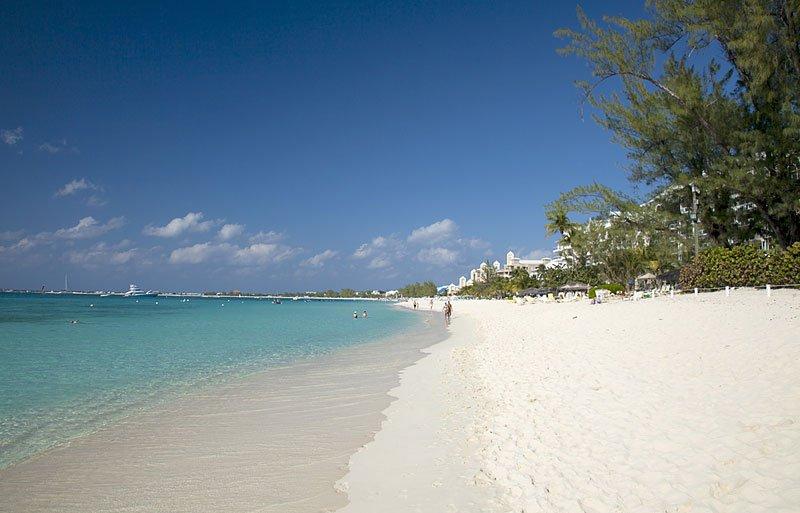 Impresionante playa de siete millas y claro como el cristal