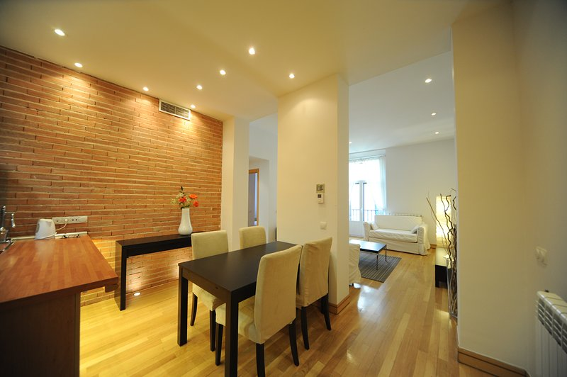 Salon & comedor / Living room & dinning room