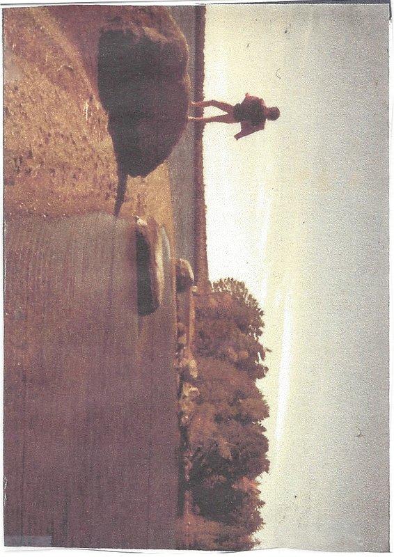 nuestra playa privada, punta de península (gran lago detrás es nuestro lago)