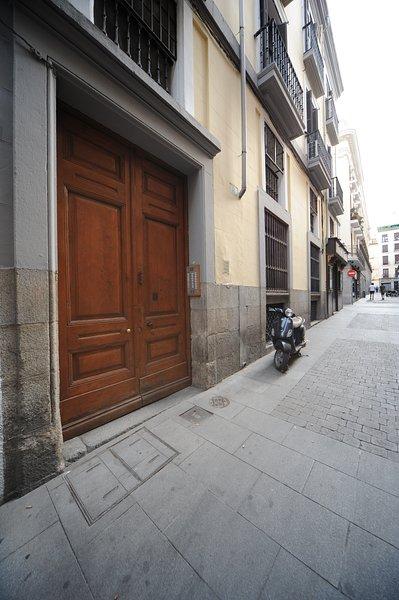 Portal / Entrance