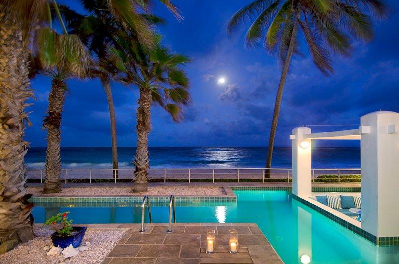 Villa Corinne at night