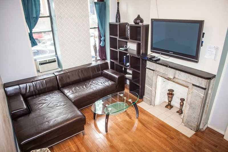 large two bed apt in times square has wi fi and internet access