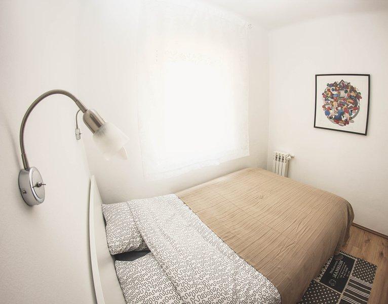 Dormitorio cama matrimonial 140x 200cm