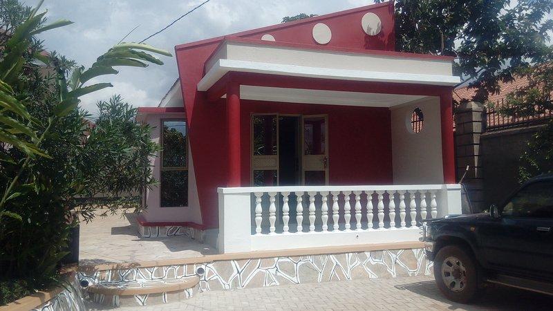 Suburb Paradise 2, vacation rental in Namugongo