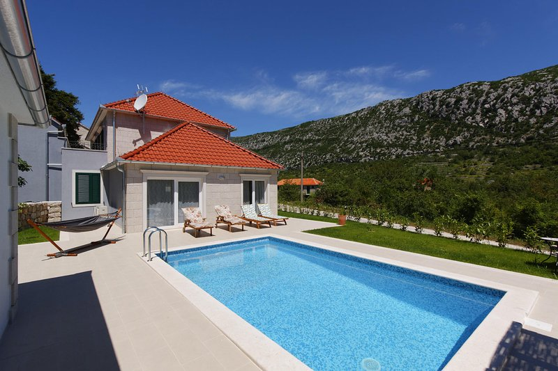 Front view, swimming pool, luxury Villa Zupa, Imotski
