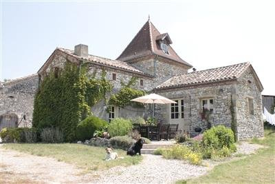 A stunning French Pigeonnaire, vacation rental in Cancon