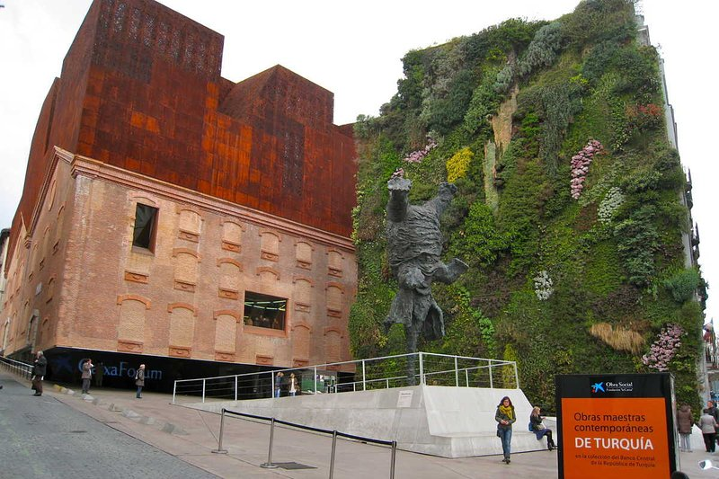 CaixaForum Vertical Garden, a 3 minutes walk away. [By Andrea, CC]