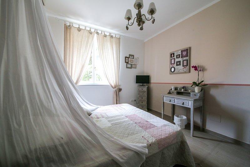 B&B LA VECCHIA TENENZA APPARTAMENTO LA ROCCA, holiday rental in Citta della Pieve