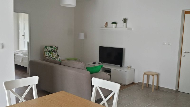 Apartments Vala, vacation rental in Grebastica