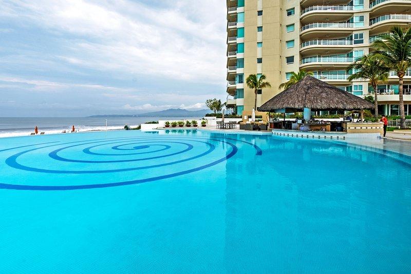 Disfrutar de las espectaculares instalaciones del complejo durante su estancia en este apartamento de alquiler de vacaciones en Nuevo Vallarta!