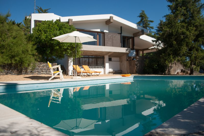 Holiday House w Pool Nature n History, location de vacances à Portel