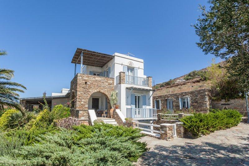 ALEFI HOMES, holiday rental in Triantaros