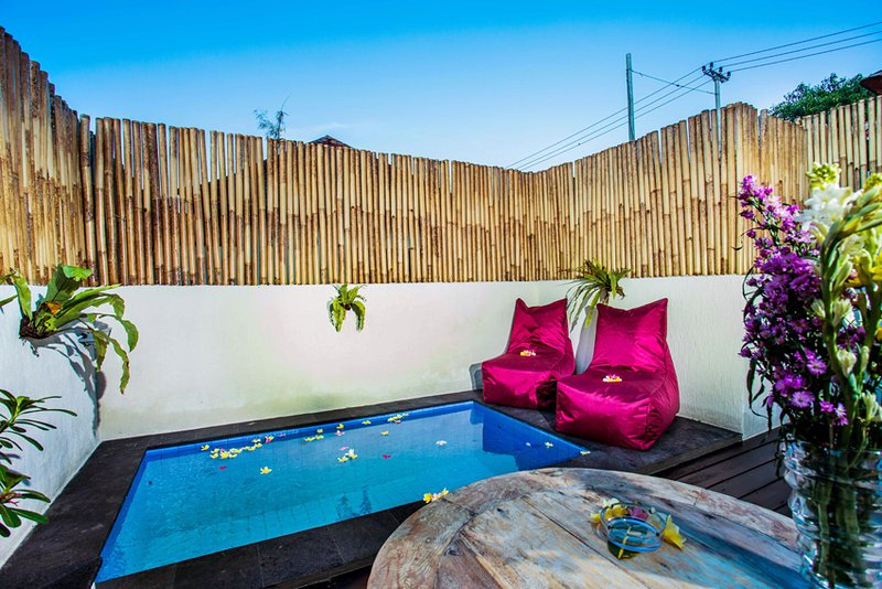 SEASIDE COZY Svaha Villa 1BedRooms PrivatePool Villa, vacation rental in Ped
