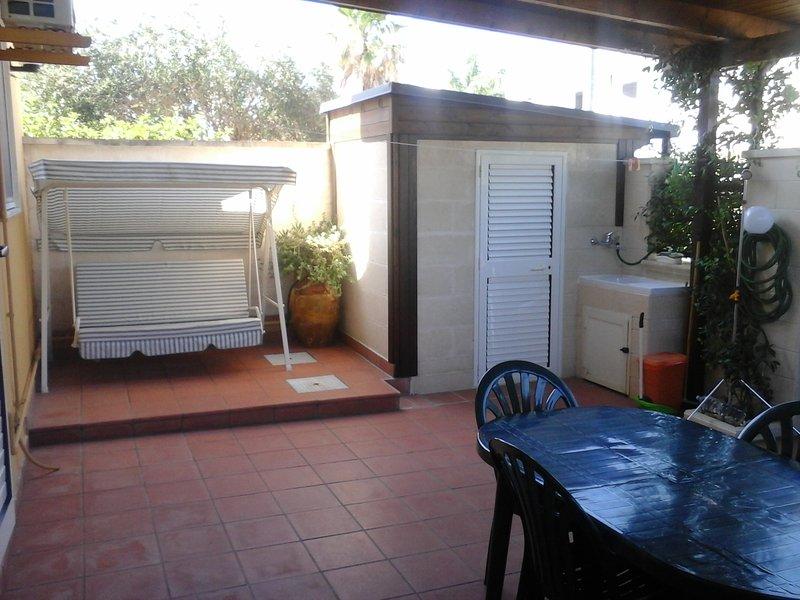 Villetta Chiara Autonoma a Porto Cesereo, holiday rental in Salmenta