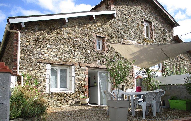 Gîte du Coudray - Vendée, holiday rental in Bazoges-en-Paillers