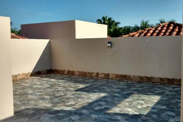 Rooftop terrance un endroit idéal pour le bronzage et de vérifier les vues de 360 degrés