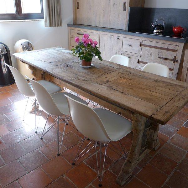 kitchen area full  oak