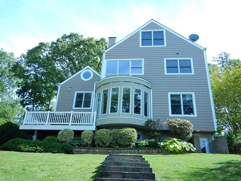 Annapolis Area Waterfront Home, holiday rental in Bowie