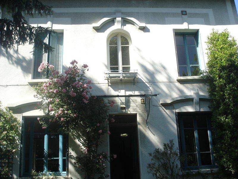 Au jardin Croix-Roussien, vacation rental in Couzon-au-Mont-d'Or