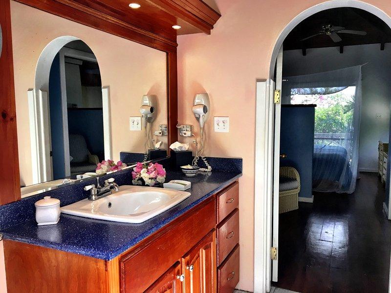 lower villa bathroom