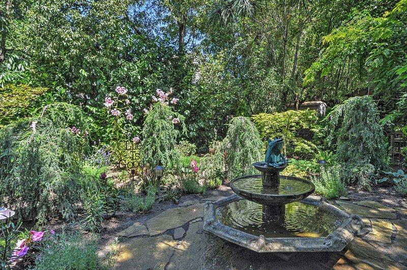 Profitez de la compagnie de fontaines formidables dans la cour.