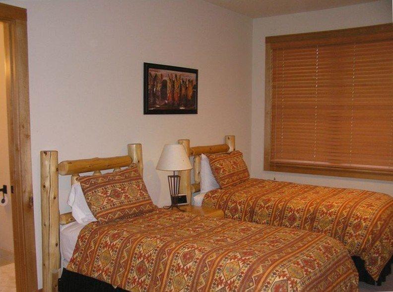 3e slaapkamer, kingsize bed of 2 singles met badkamer