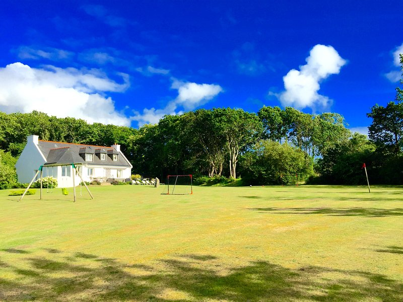 The Villa Goarem GORDIGUEN summer