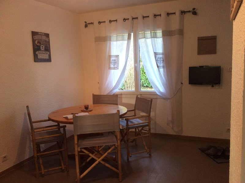 living room next meal lodging 3