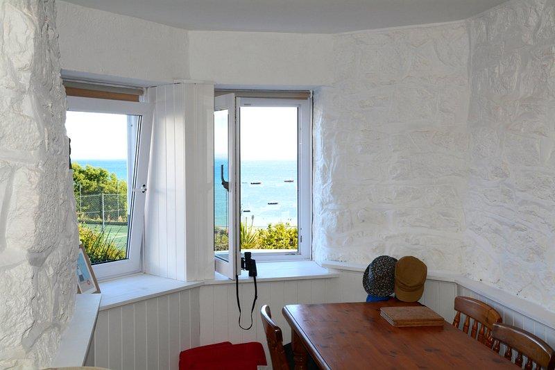 Beach View Apartment, 12 Primrose Court, St Ives, location de vacances à St. Ives