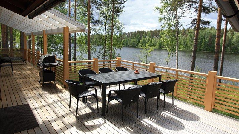 Chalets au bord du lac en Finlande