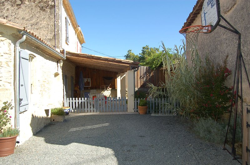 GITE RURAL LA FOURNIERE, holiday rental in Noaillan
