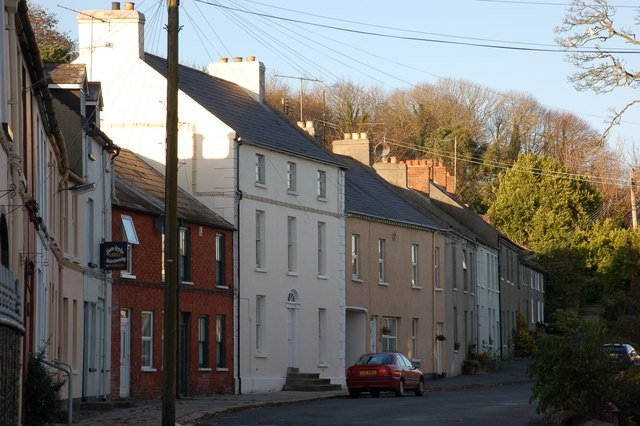'Castle Street Gem,' Holiday home in picturesque Strangford village! – semesterbostad i Portaferry
