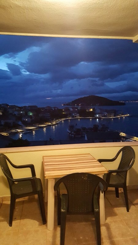 Ana (2+1): terrace