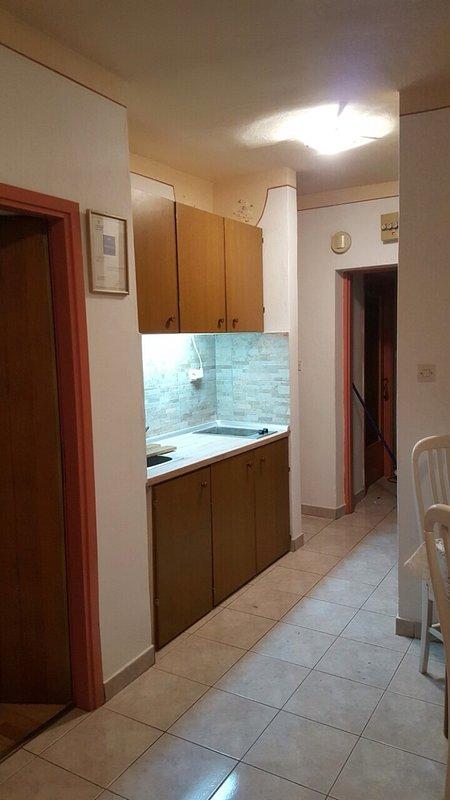 Ana (2+1): kitchen