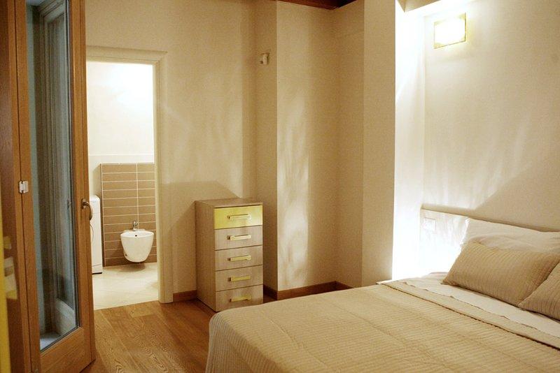 sovrum med badrum