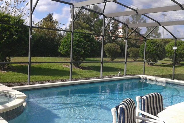 Your home for Disney/Universal/Golfing:) with pool, spa Sleeps 8+, location de vacances à Lake County